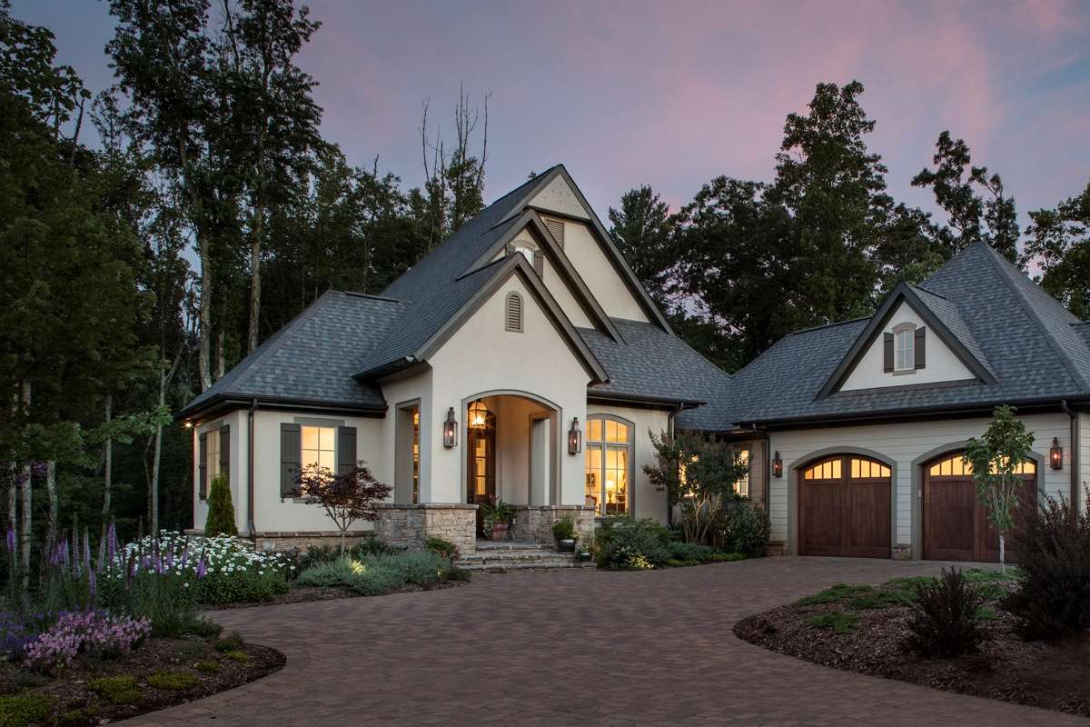 Build Your Custom Home From the Ground Up